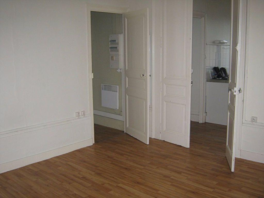 Appartement à louer 1 38.94m2 à Limoges vignette-2