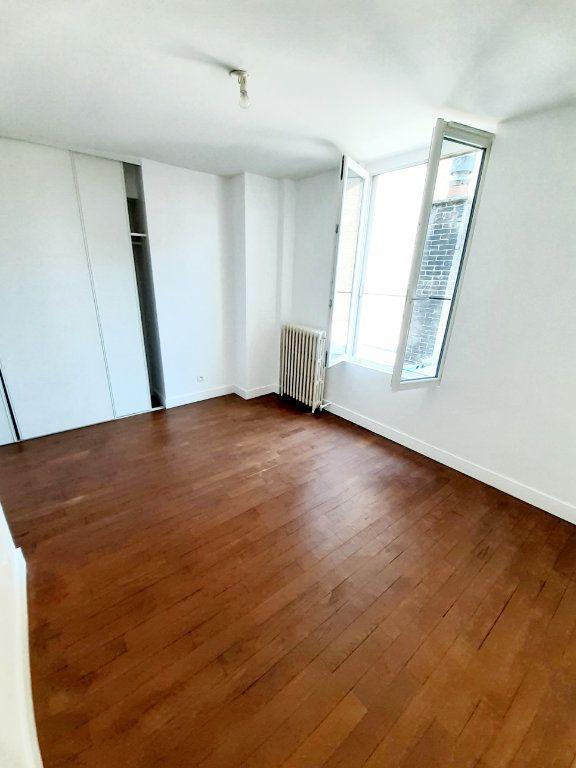 Appartement à louer 4 80.7m2 à Limoges vignette-4