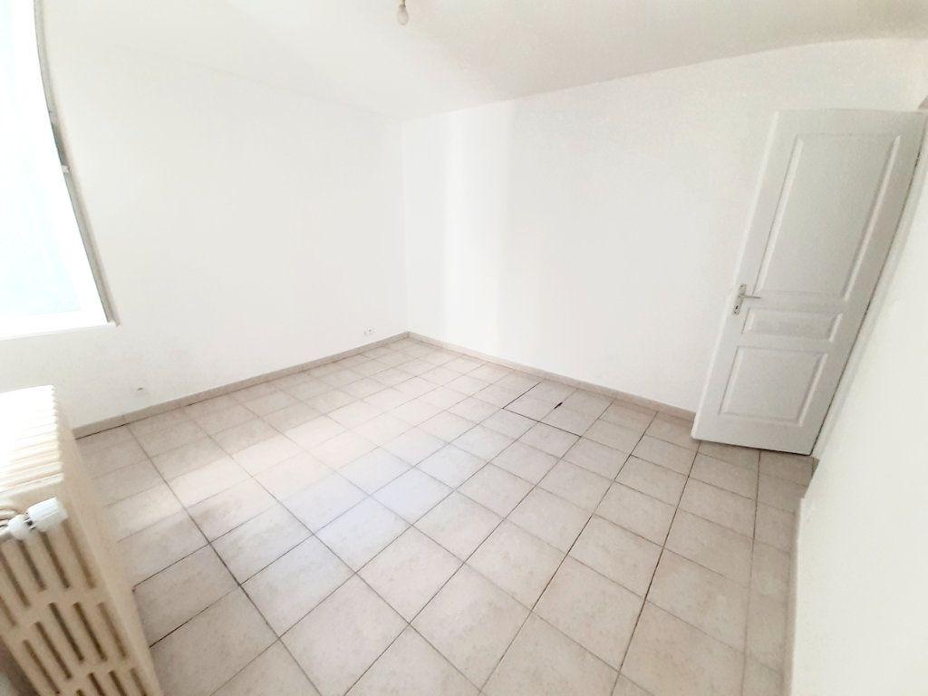 Appartement à louer 4 80.7m2 à Limoges vignette-8