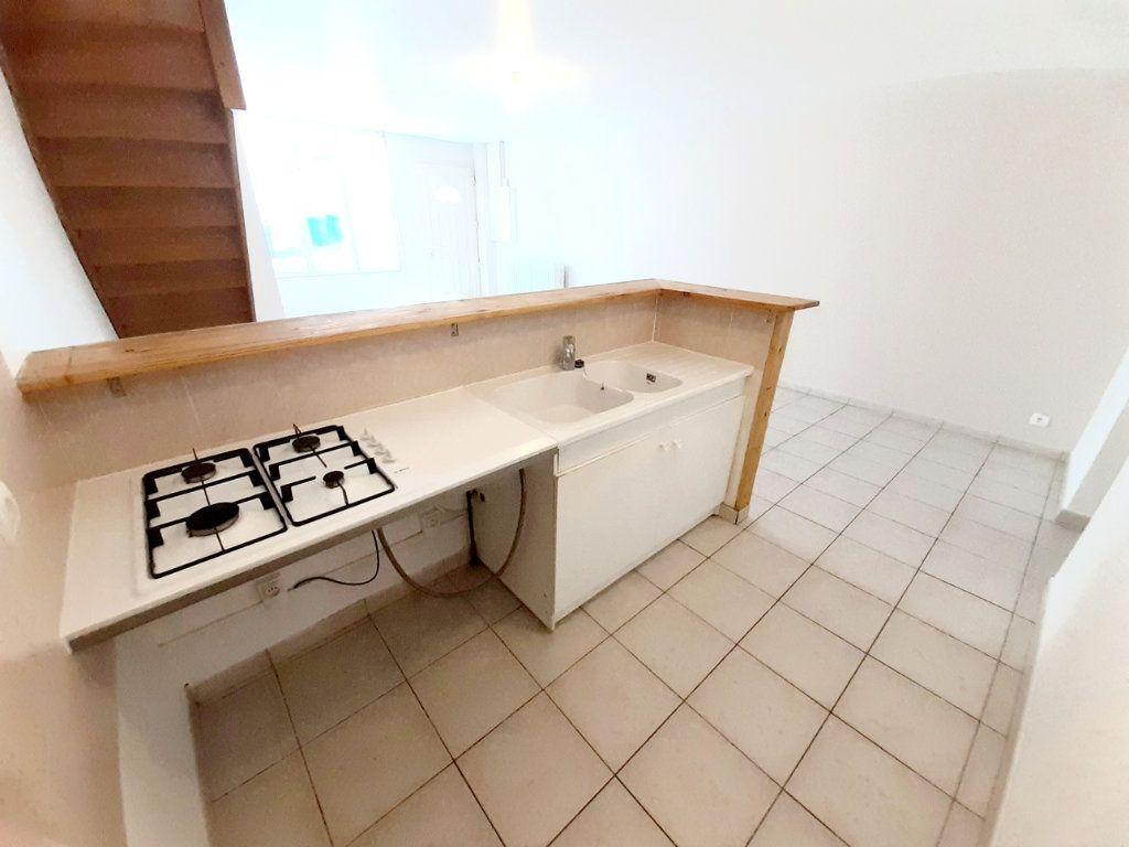 Appartement à louer 4 80.7m2 à Limoges vignette-9