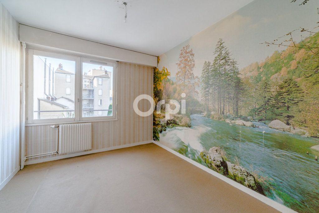 Appartement à louer 4 76.9m2 à Limoges vignette-3