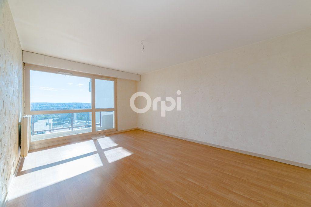 Appartement à louer 4 76.9m2 à Limoges vignette-5