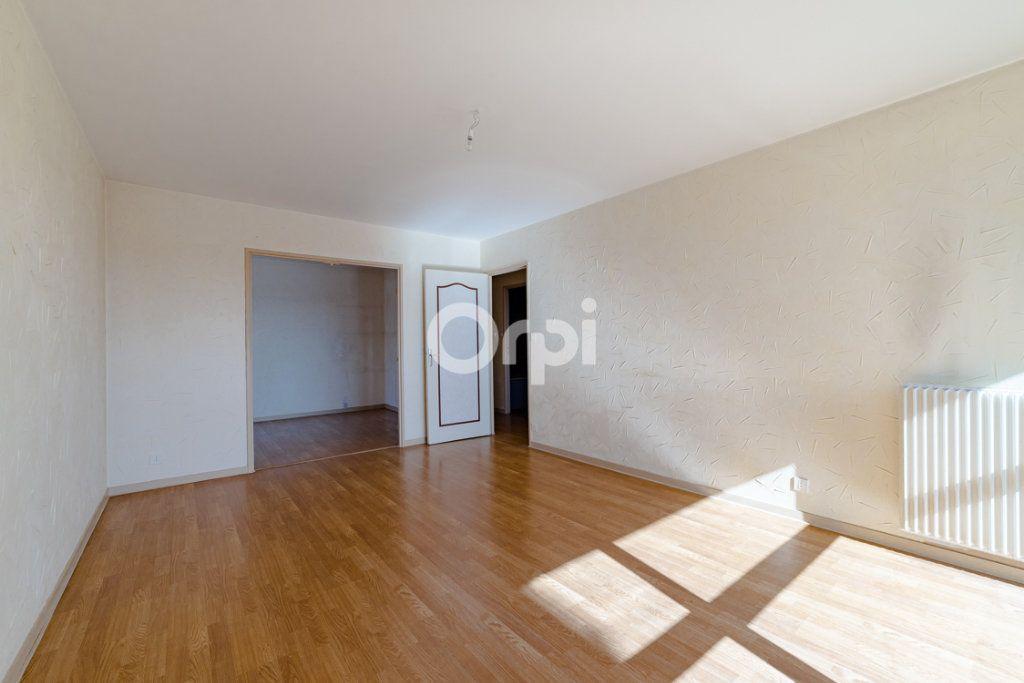 Appartement à louer 4 76.9m2 à Limoges vignette-6
