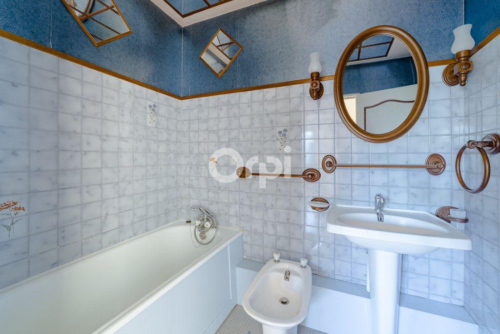 Appartement à louer 4 76.9m2 à Limoges vignette-7
