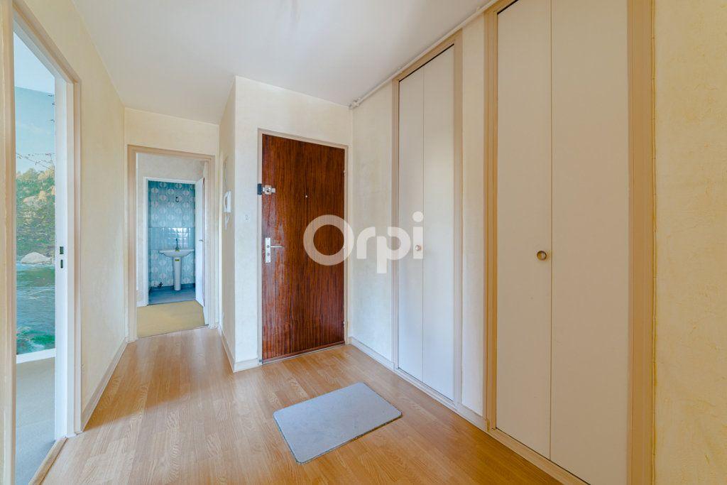 Appartement à louer 4 76.9m2 à Limoges vignette-10
