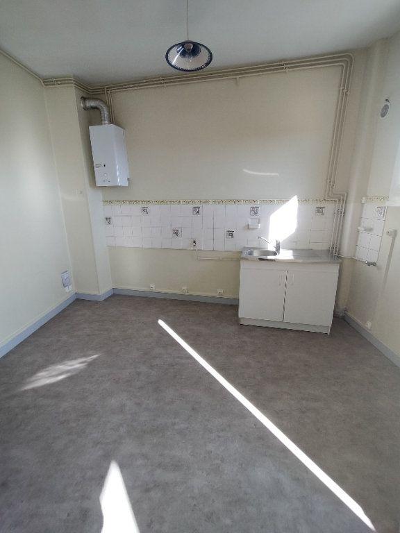 Appartement à louer 3 78m2 à Limoges vignette-2