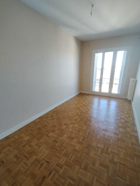 Appartement à louer 3 78m2 à Limoges vignette-4