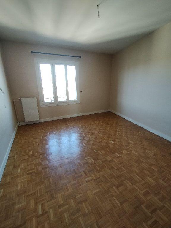 Appartement à louer 3 78m2 à Limoges vignette-5