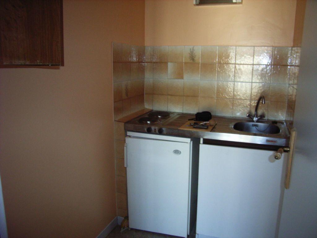 Appartement à louer 1 27m2 à Mont-de-Marsan vignette-4
