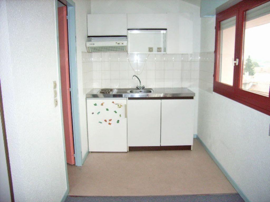 Appartement à louer 1 28m2 à Mont-de-Marsan vignette-4