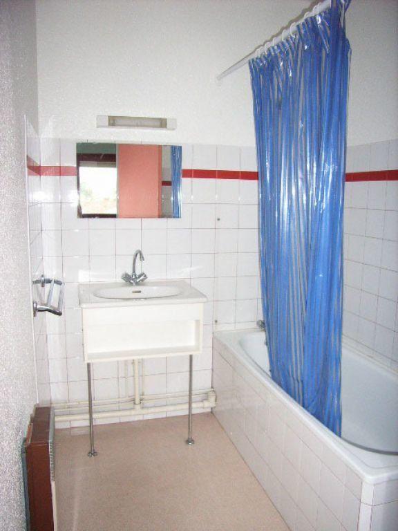 Appartement à louer 1 28m2 à Mont-de-Marsan vignette-5