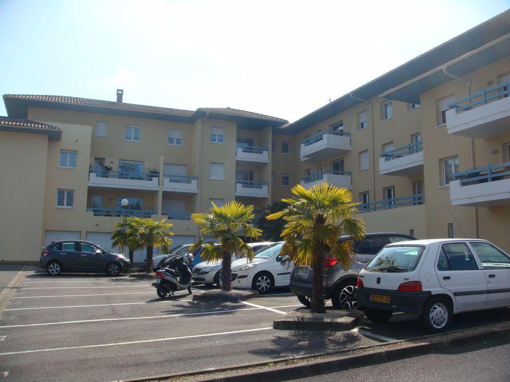 Appartement à louer 2 44m2 à Mont-de-Marsan vignette-1