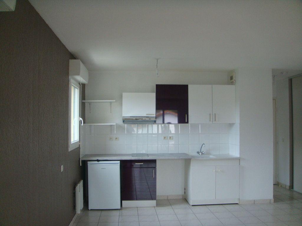 Appartement à louer 2 44m2 à Mont-de-Marsan vignette-2