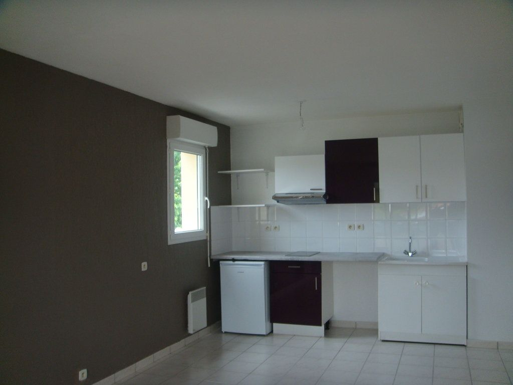 Appartement à louer 2 44m2 à Mont-de-Marsan vignette-4