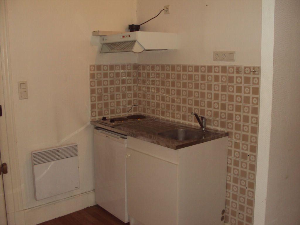 Appartement à louer 1 30m2 à Mont-de-Marsan vignette-4