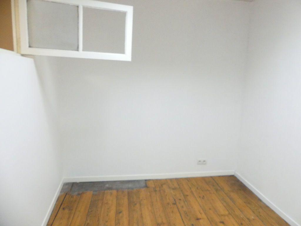 Appartement à louer 2 33.4m2 à Mont-de-Marsan vignette-5