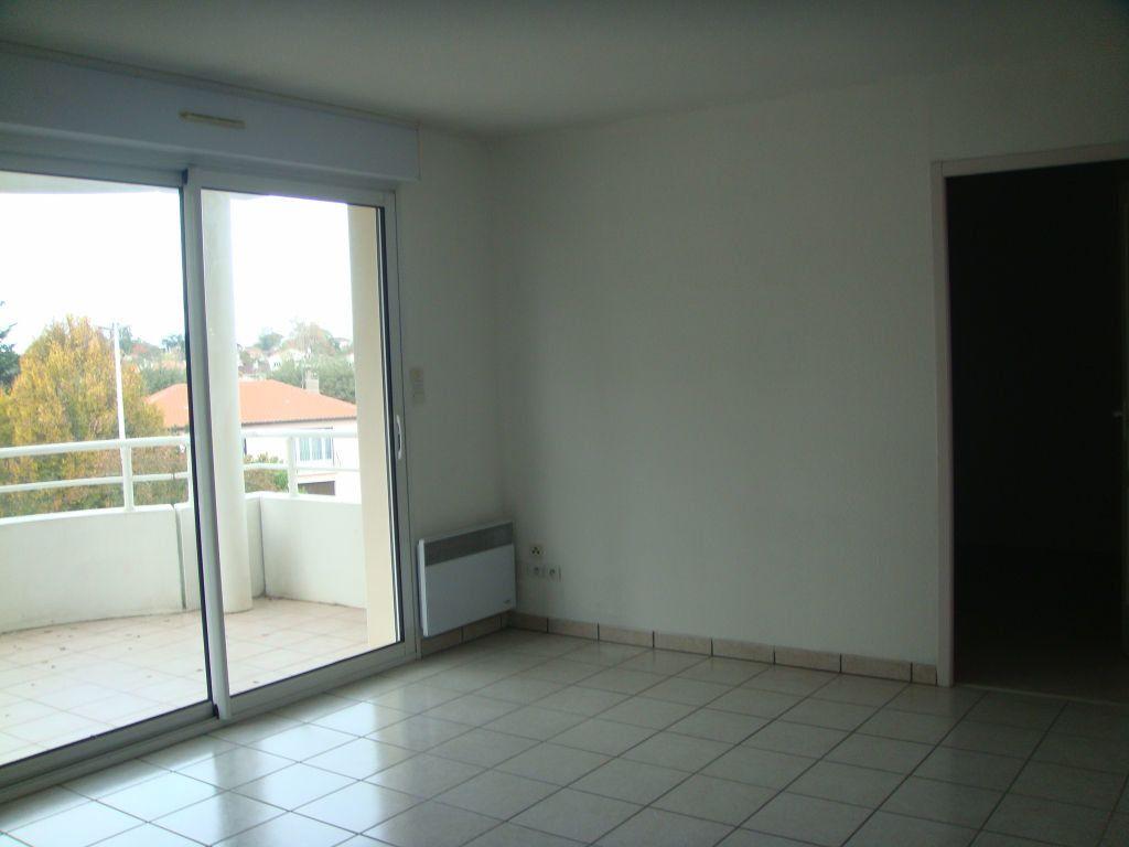 Appartement à louer 3 56m2 à Saint-Pierre-du-Mont vignette-4