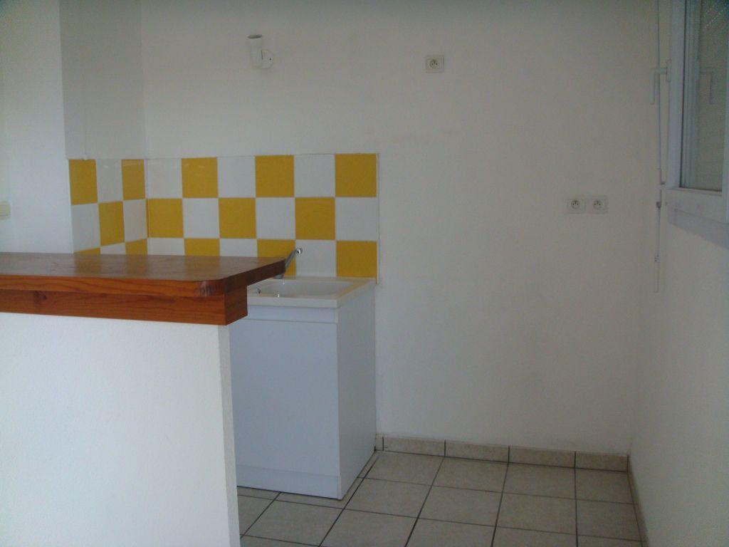 Appartement à louer 3 56m2 à Saint-Pierre-du-Mont vignette-5