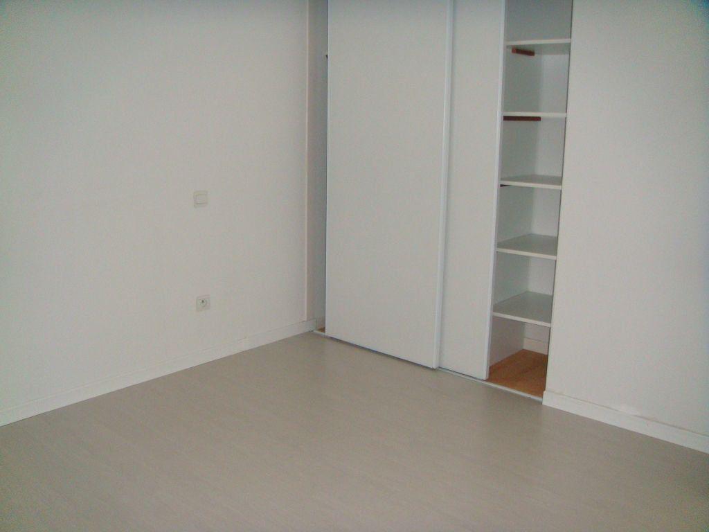 Appartement à louer 3 56m2 à Saint-Pierre-du-Mont vignette-7