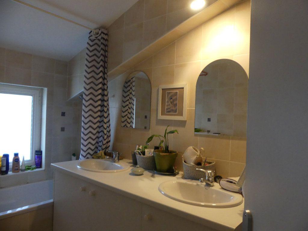 Appartement à louer 2 46m2 à Mont-de-Marsan vignette-5