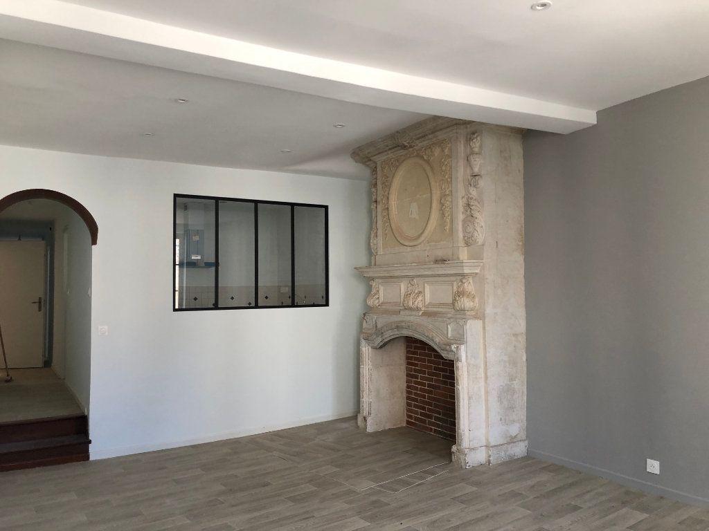 Appartement à louer 3 78m2 à Saint-Sever vignette-1
