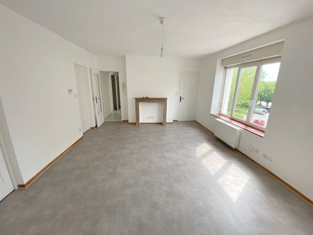 Appartement à louer 4 71m2 à Boulogne-sur-Mer vignette-1