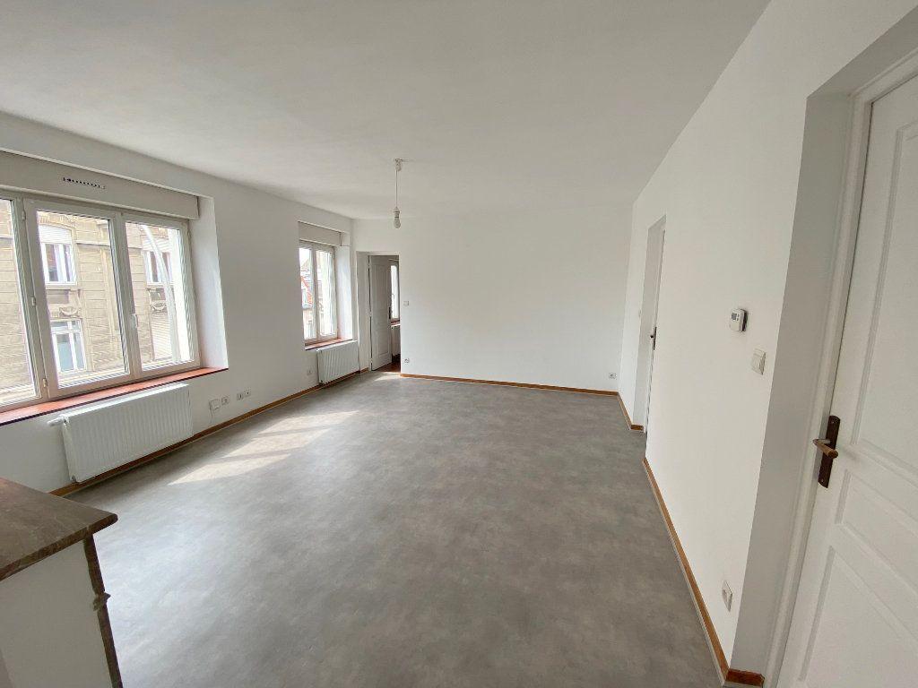 Appartement à louer 4 71m2 à Boulogne-sur-Mer vignette-2