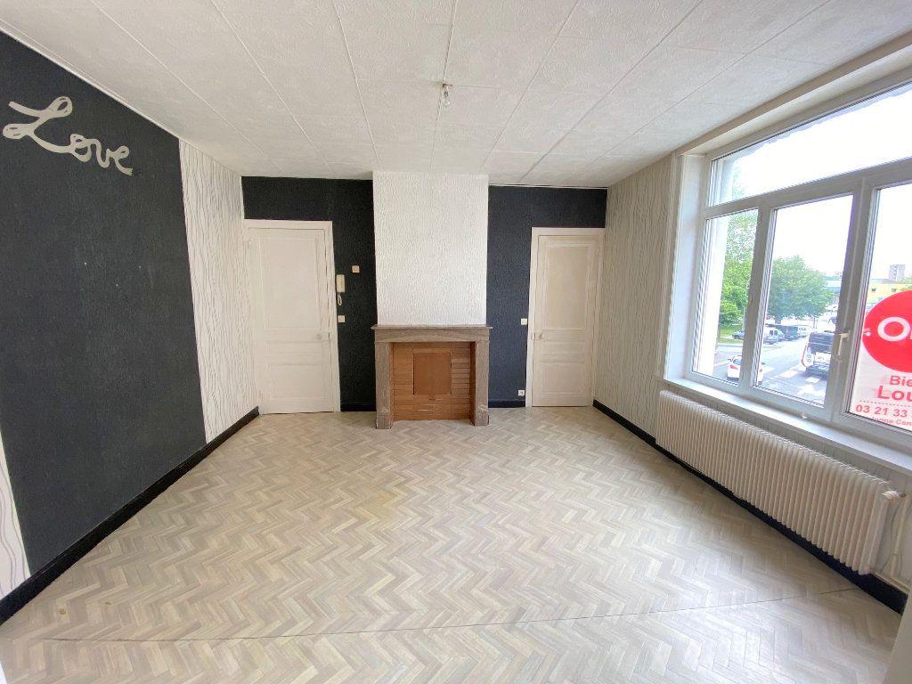Appartement à louer 3 63m2 à Boulogne-sur-Mer vignette-2