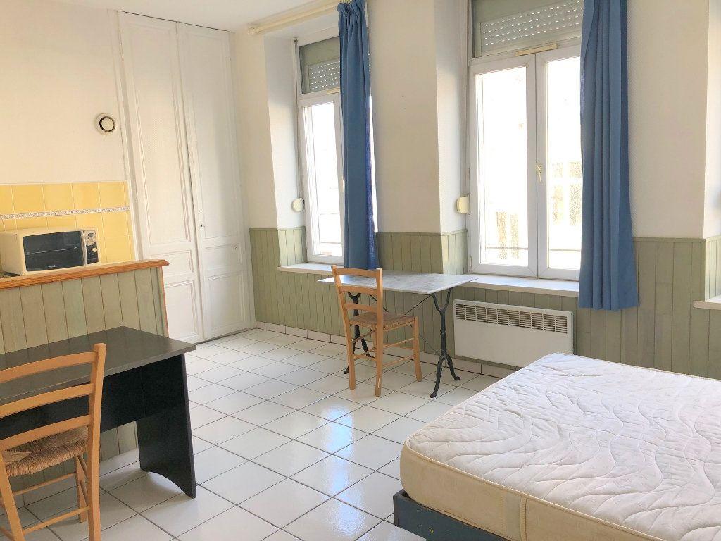 Appartement à louer 1 24m2 à Boulogne-sur-Mer vignette-1