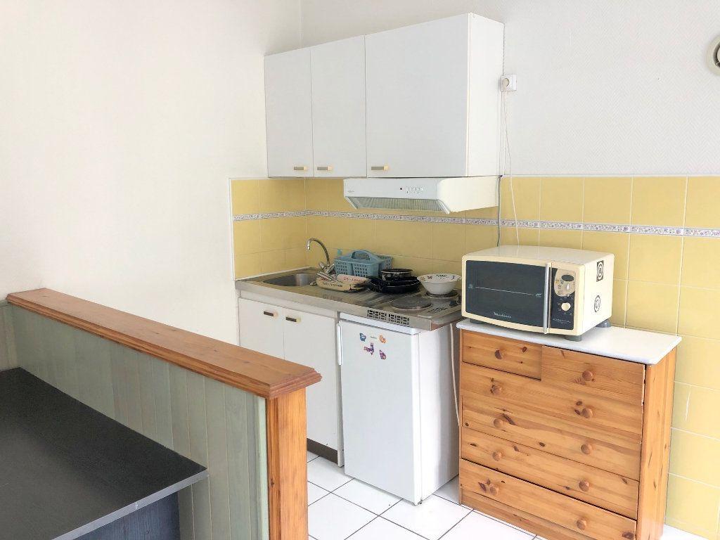 Appartement à louer 1 24m2 à Boulogne-sur-Mer vignette-2