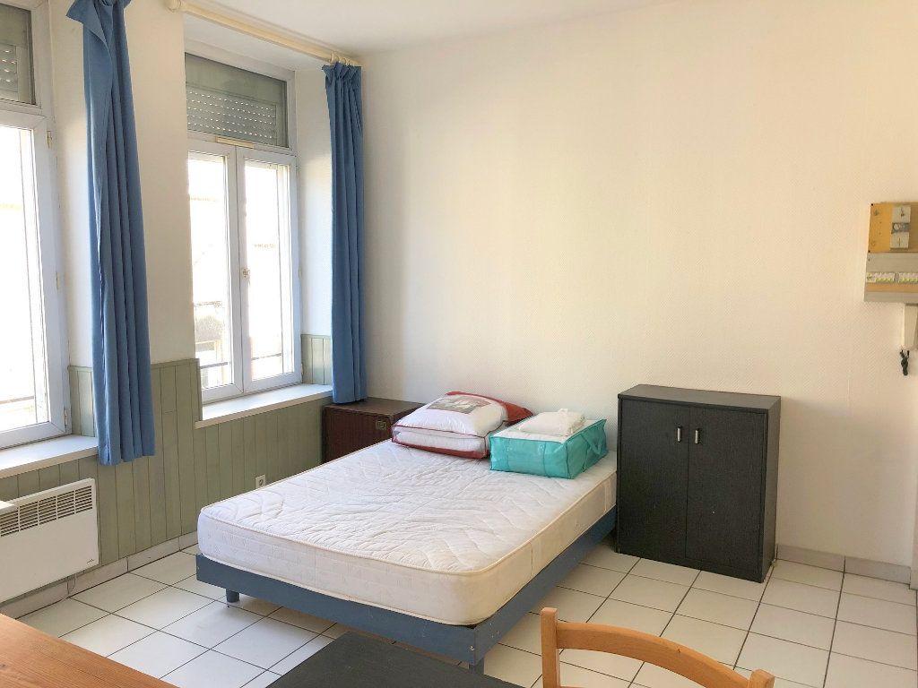 Appartement à louer 1 24m2 à Boulogne-sur-Mer vignette-3