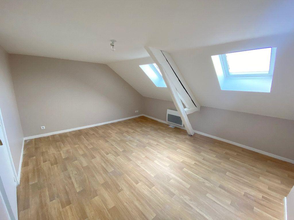 Appartement à louer 4 73m2 à Boulogne-sur-Mer vignette-3
