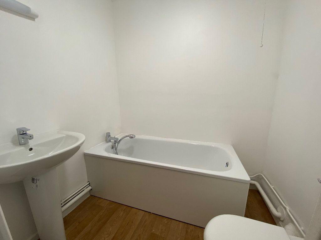 Appartement à louer 4 73m2 à Boulogne-sur-Mer vignette-5