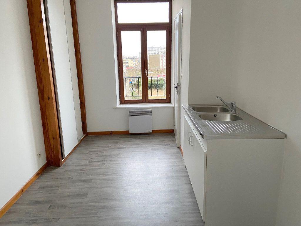 Appartement à louer 1 28m2 à Boulogne-sur-Mer vignette-3