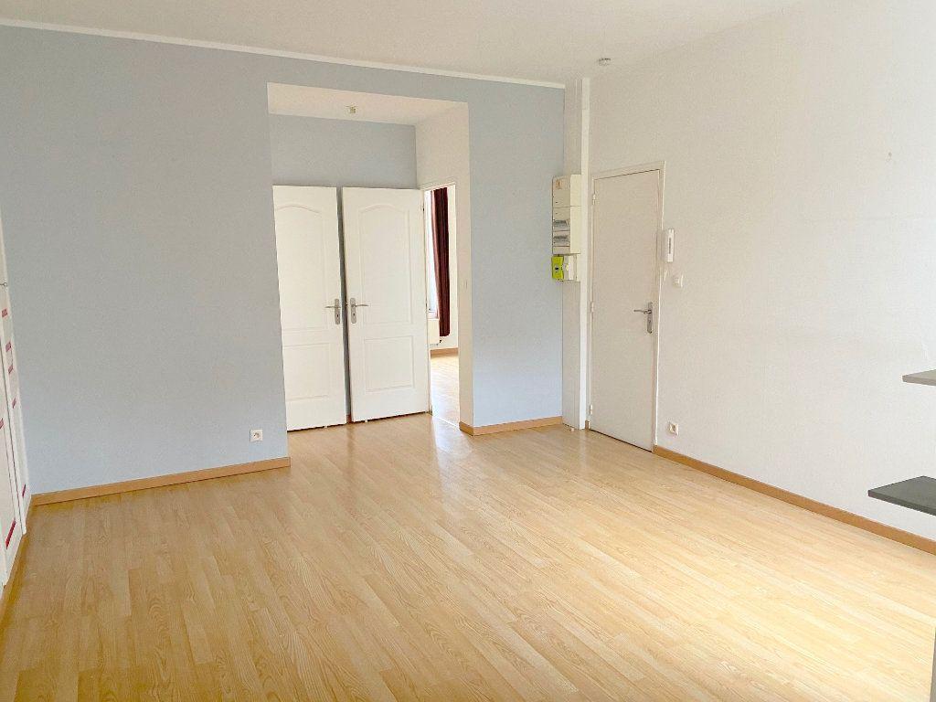 Appartement à louer 3 53m2 à Boulogne-sur-Mer vignette-1