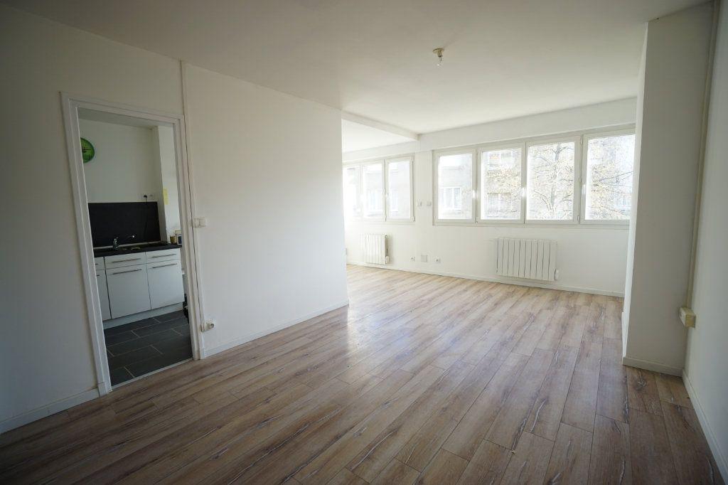 Appartement à louer 2 46m2 à Boulogne-sur-Mer vignette-1