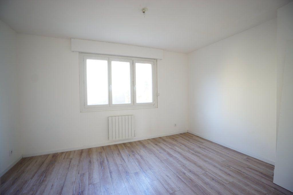 Appartement à louer 2 46m2 à Boulogne-sur-Mer vignette-4