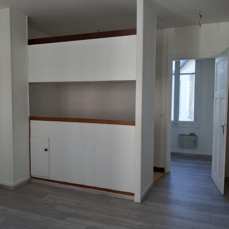 Appartement à louer 1 24.71m2 à Évreux vignette-1
