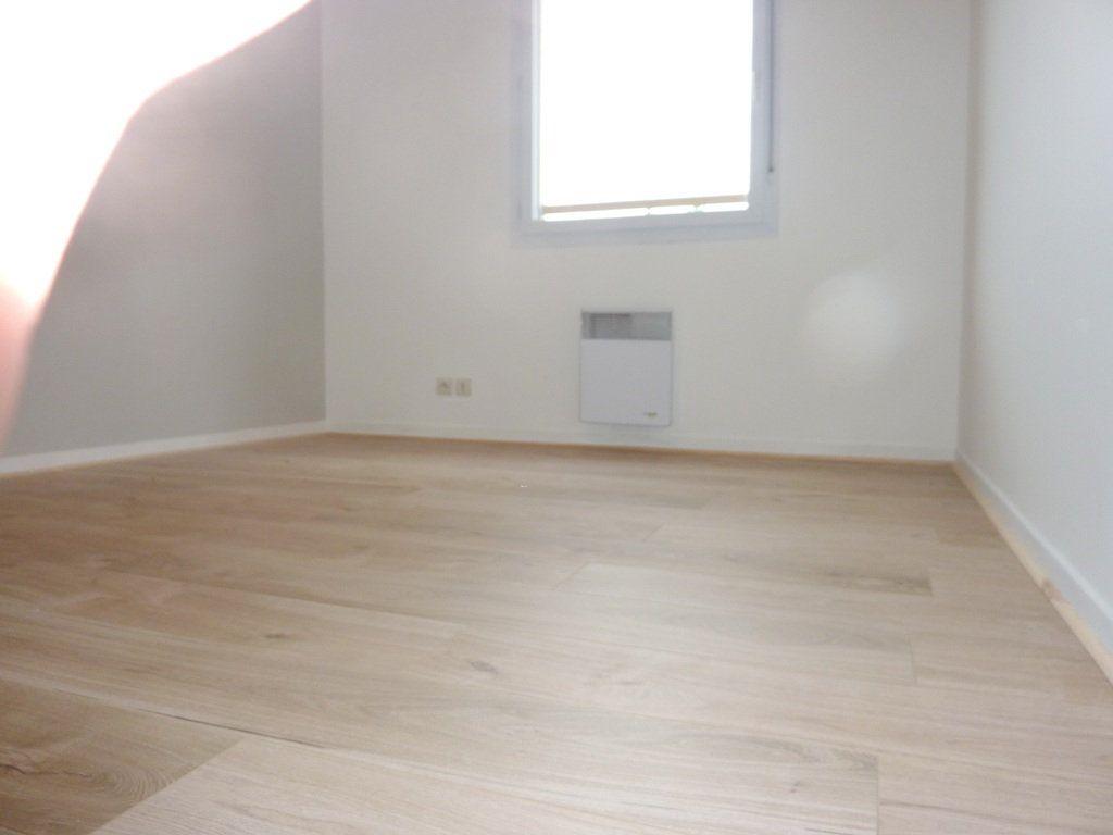 Appartement à louer 2 47.65m2 à Béziers vignette-4