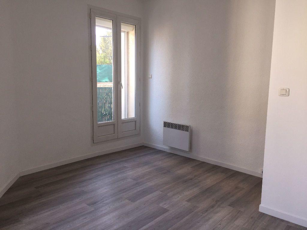 Appartement à louer 4 91.52m2 à Béziers vignette-3