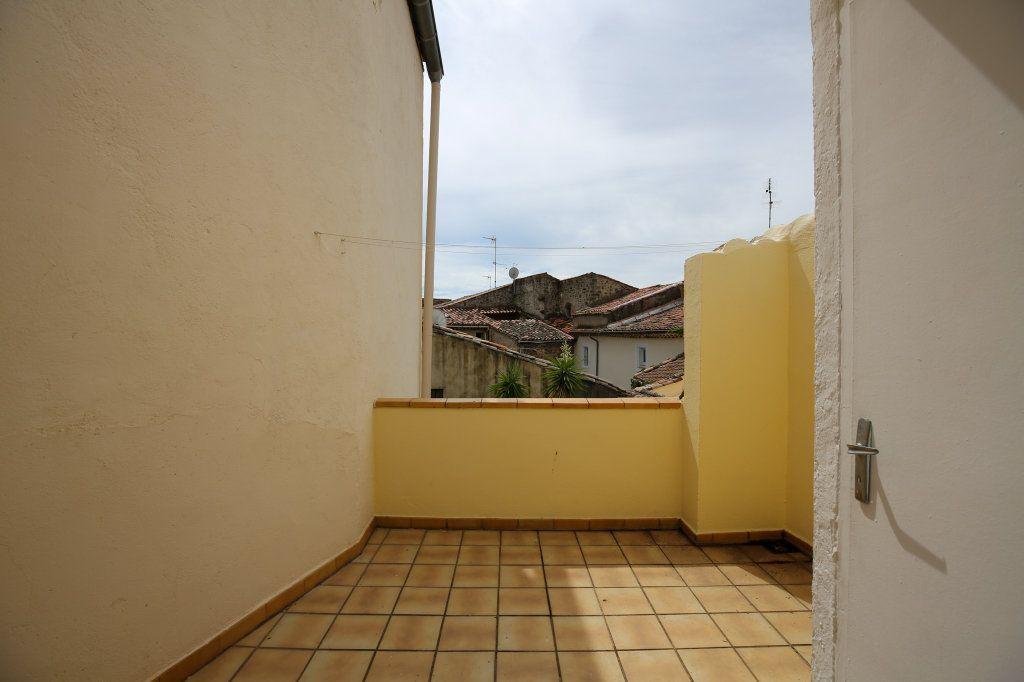 Maison à vendre 3 57m2 à Gabian vignette-12