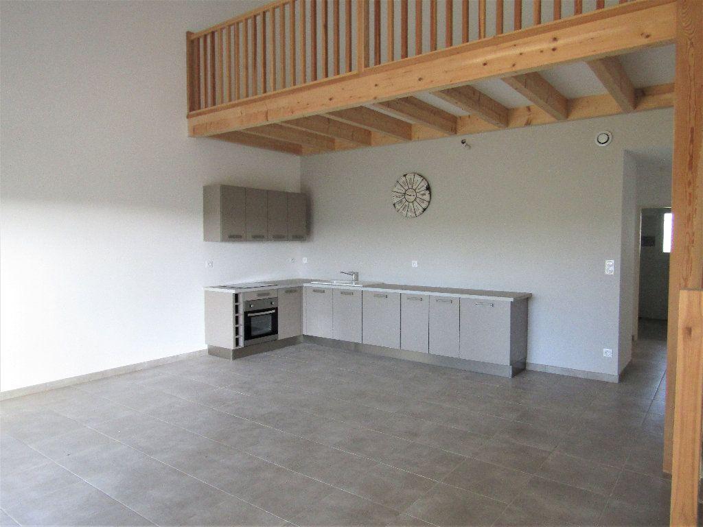 Maison à vendre 3 118m2 à Alignan-du-Vent vignette-4
