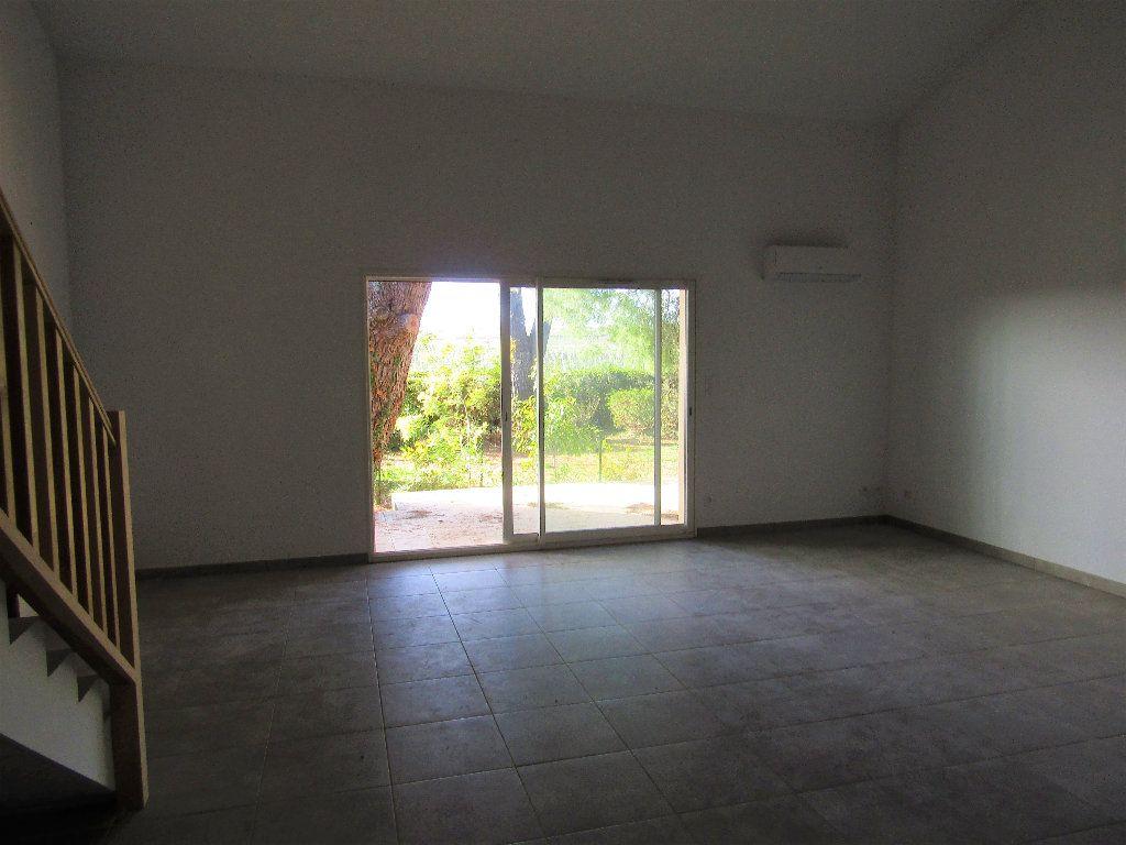 Maison à vendre 3 118m2 à Alignan-du-Vent vignette-5