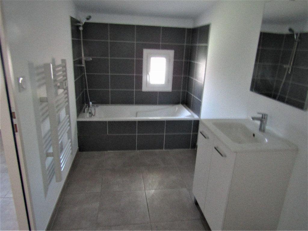 Maison à vendre 3 118m2 à Alignan-du-Vent vignette-7