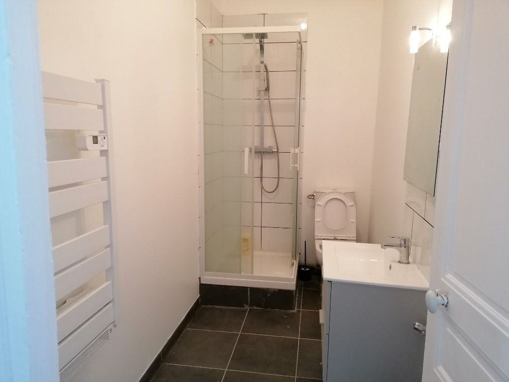 Appartement à louer 2 57m2 à Béziers vignette-2
