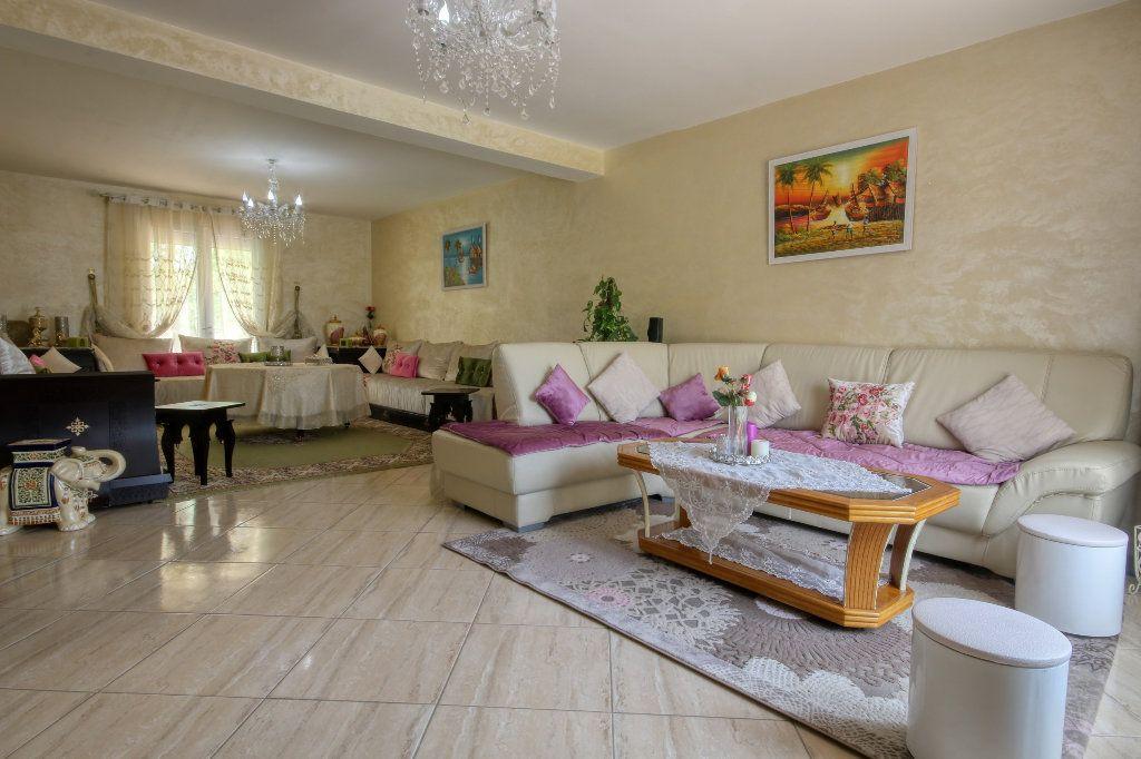 Maison à vendre 5 130m2 à Nézignan-l'Évêque vignette-5