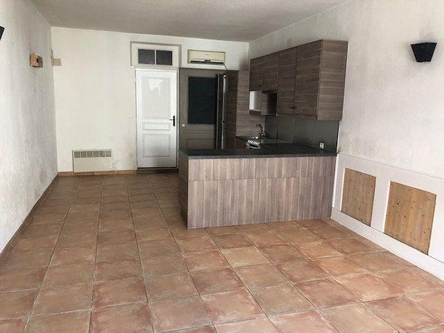 Appartement à louer 2 56.8m2 à Miramas vignette-3