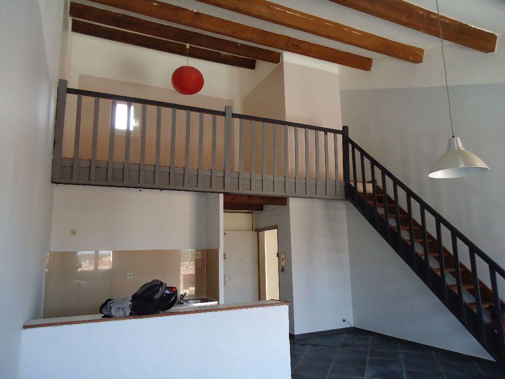 Appartement à louer 1 54.42m2 à Miramas vignette-4