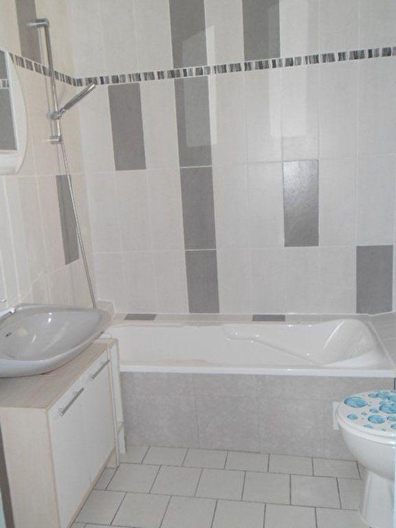 Appartement à louer 1 54.42m2 à Miramas vignette-6