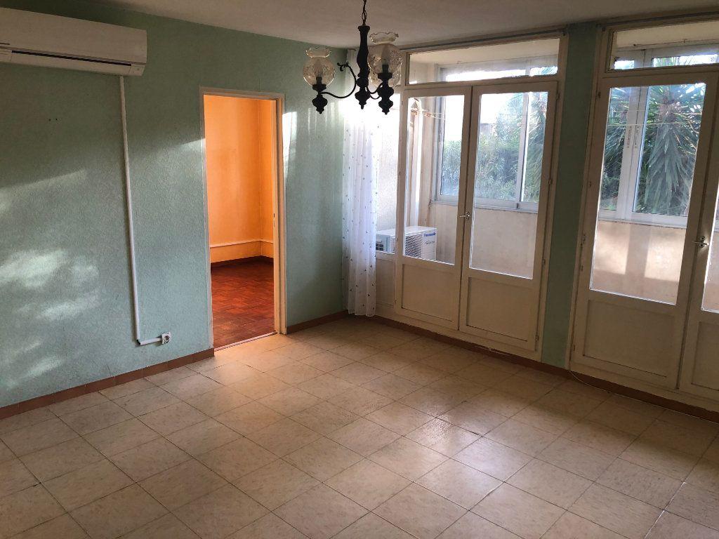 Appartement à vendre 4 65m2 à Miramas vignette-2